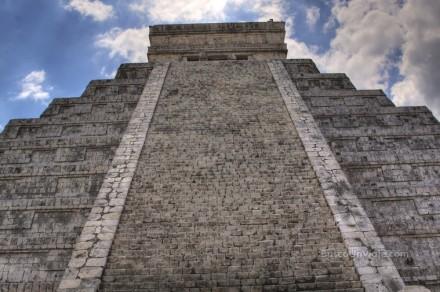 Escaleras del Templo de Kukulcán en Chichen Itza