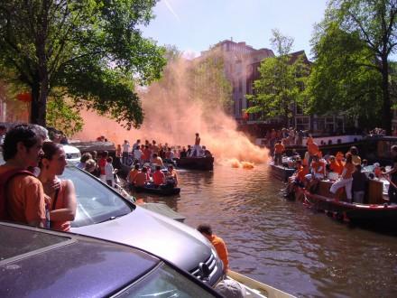 El naranja es el color nacional de Holanda y obligatorio en el Día de la Reina.