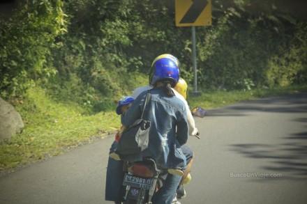Camino a Tirta Gangga en Bali (Indonesia)