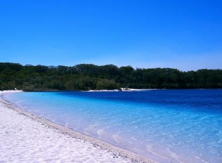 Lago McKenzie, Fraser Island, Australia-Sensenmann, Wikimedia