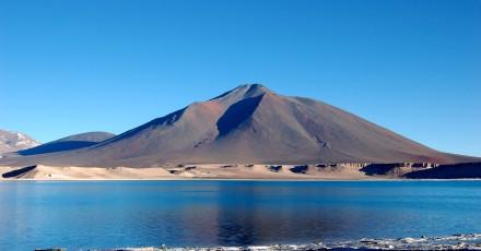 La Laguna Verde, en Atacama