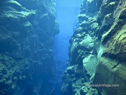 Buceando en Silfra. Islandia