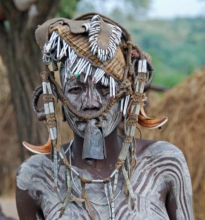 joven-mursi-etiopía