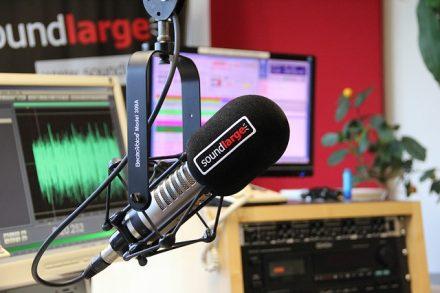 radio-studio-3307643_640
