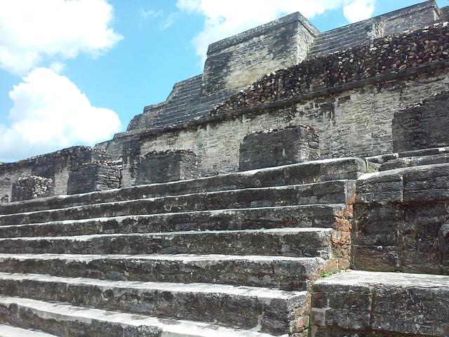 mayan-ruins-2223029_640