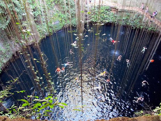 Cenote Ik Kil (México)
