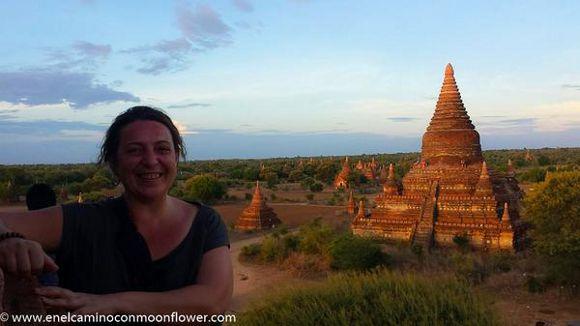 Carol en Bagan, Birmania