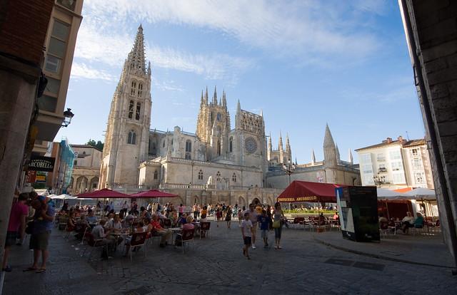 Catedral de burgos Camino de Santiago en moto