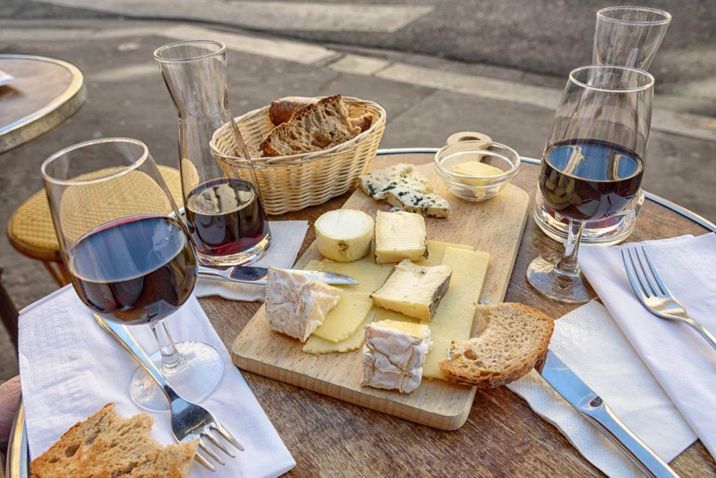 Plato de quesos comida típica de Noruega