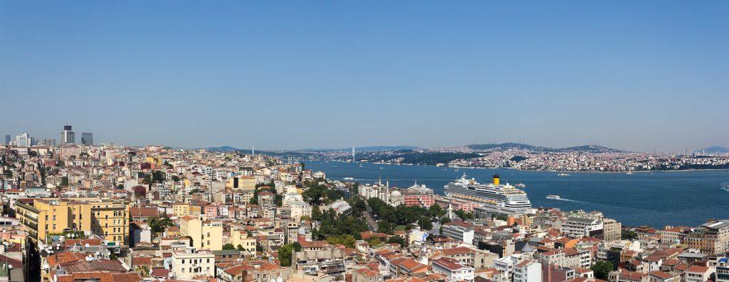 Río Bosforo Estambul Turquía