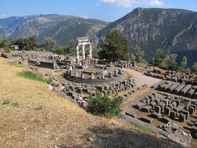 Ruinas de Delfos Grecia en moto