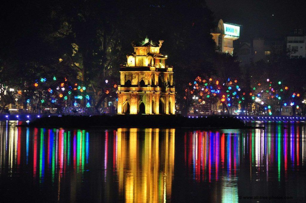 Hanoi de noche vietnam
