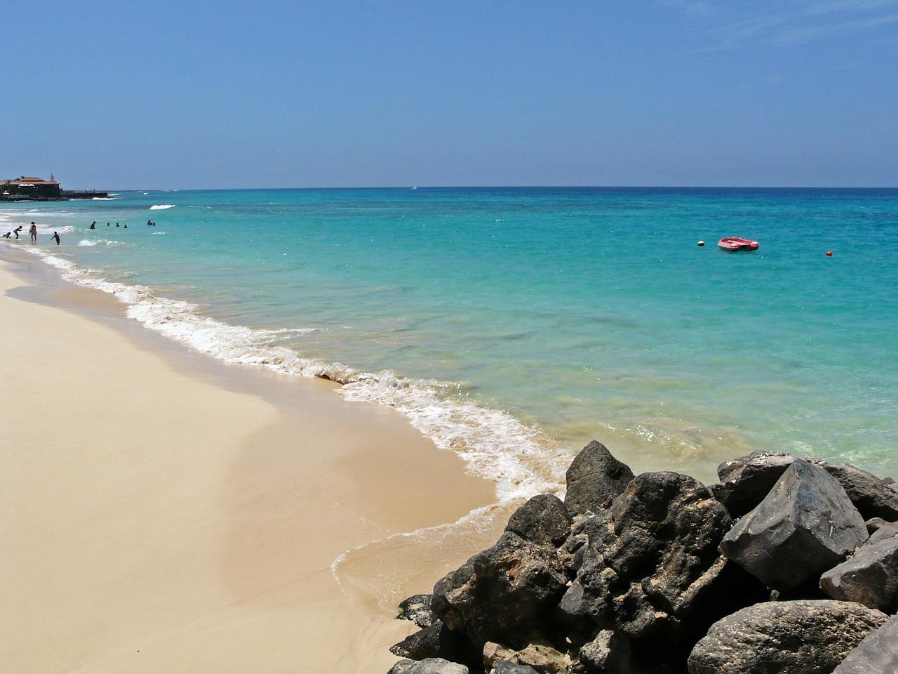 """Cabo Verde: Isla de Sal desde Madrid o Barcelona en Hotel Belorizonte """"Todo Incluido"""""""