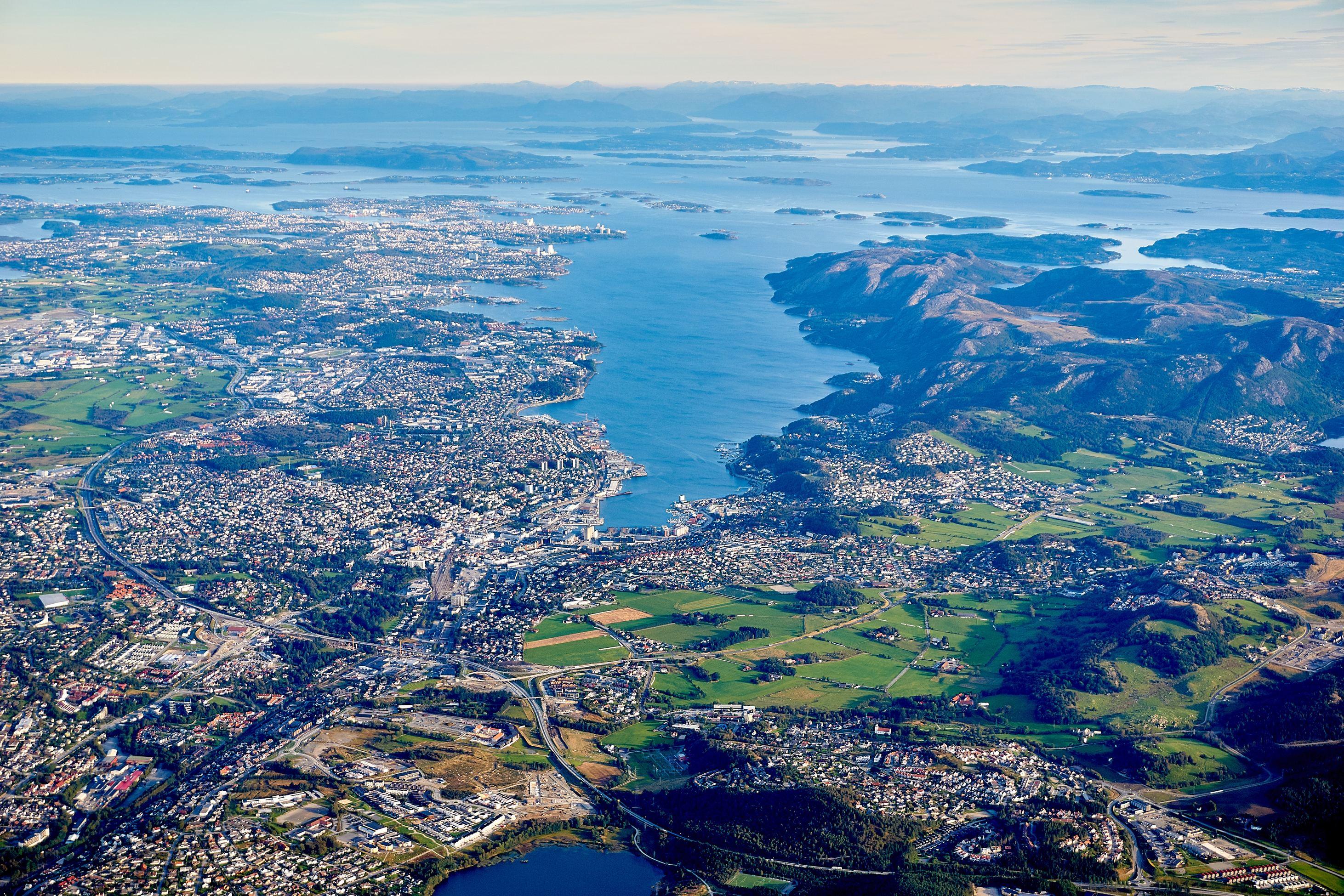 Fiordos Noruegos con Estocolmo: Stavanger, Bergen y más