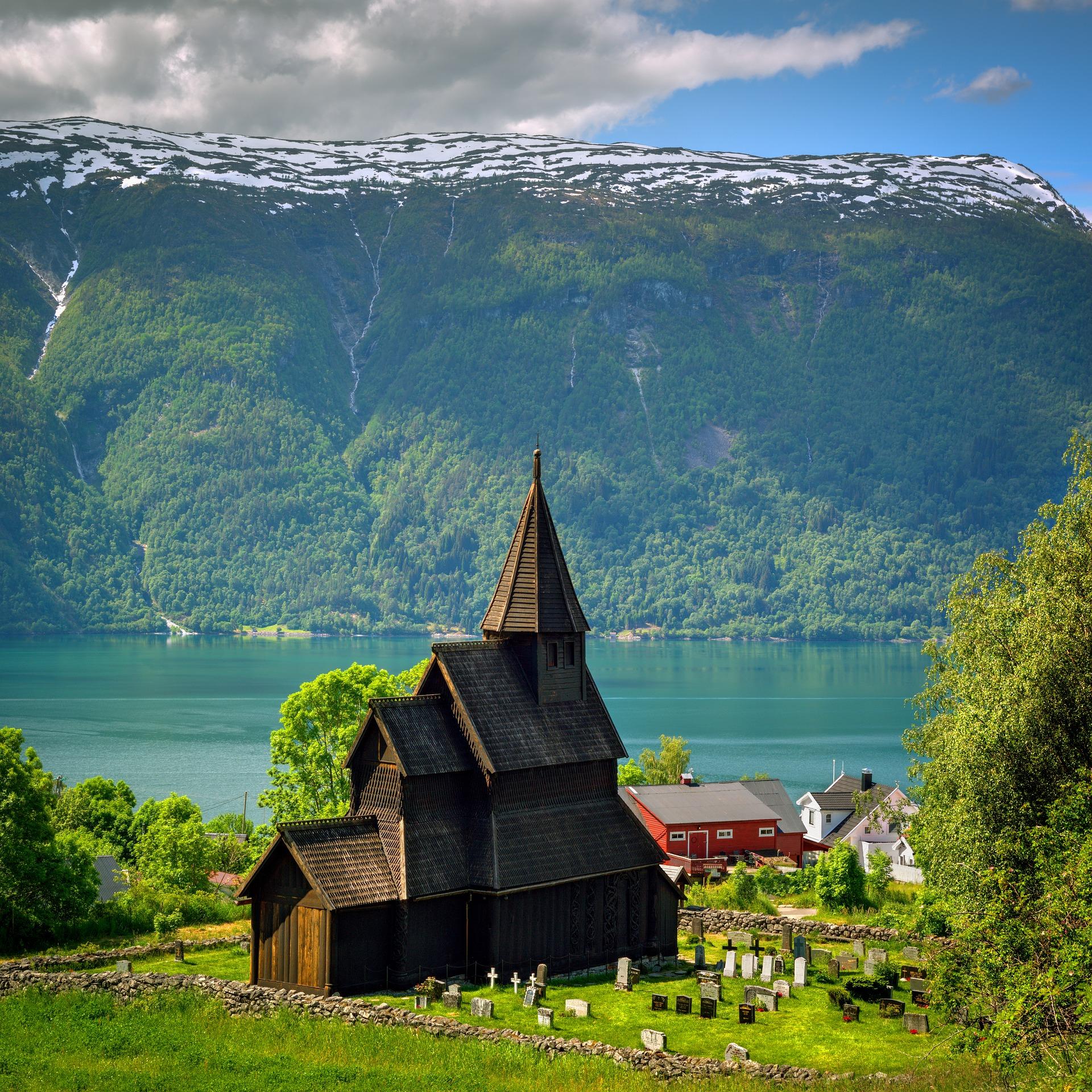 Los espectaculares Fiordos de Noruega en grupo (exclusivo singles)