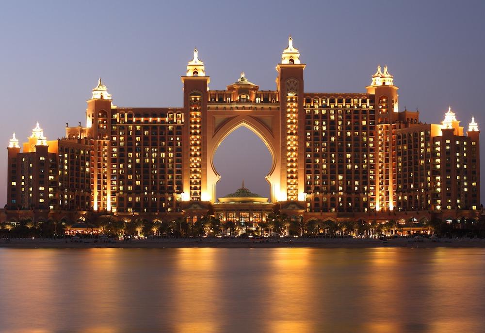 Puente de Diciembre en Dubai: el emirato de moda