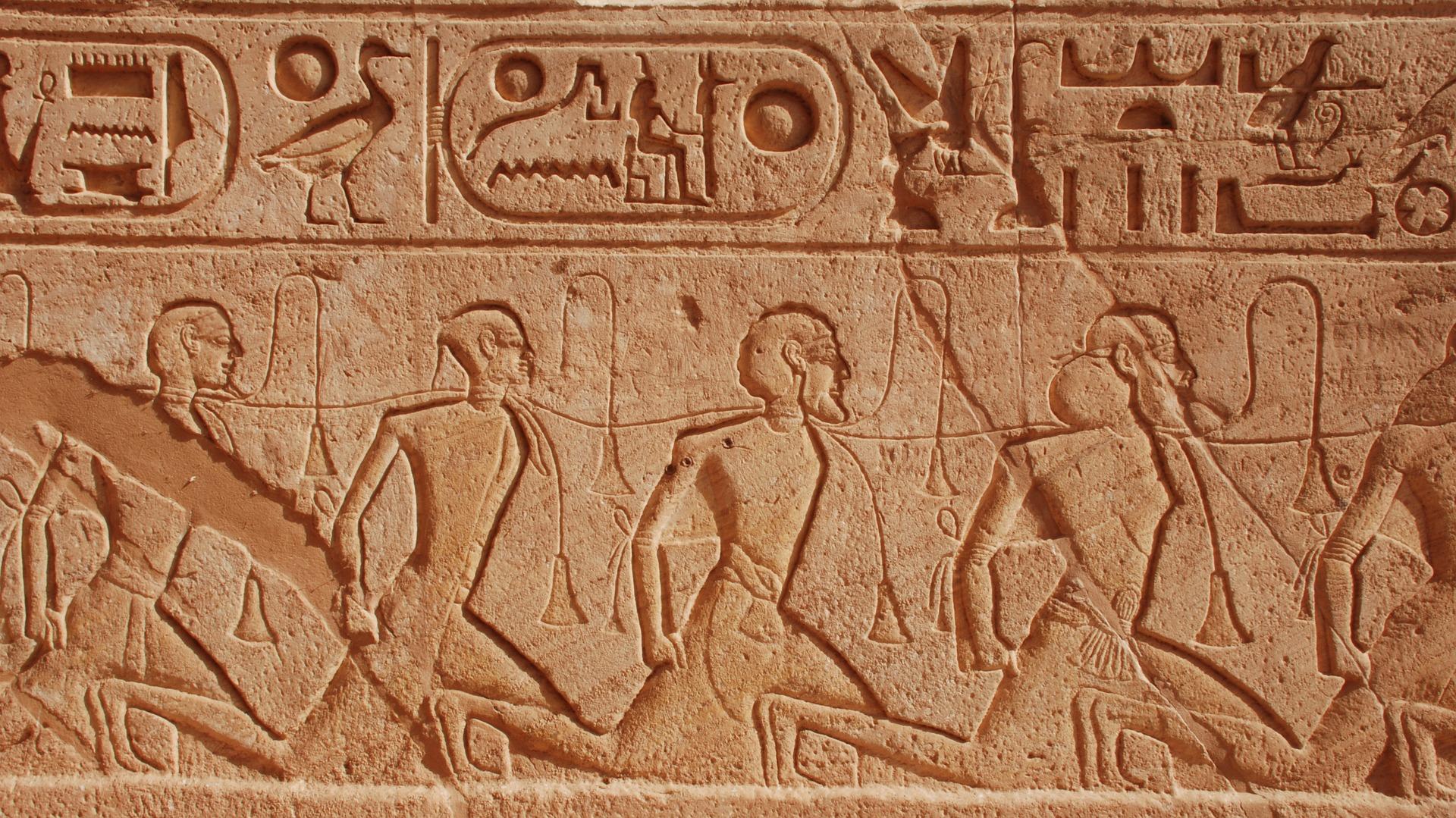 Egipto en Semana Santa: Historias de faraones en grupo