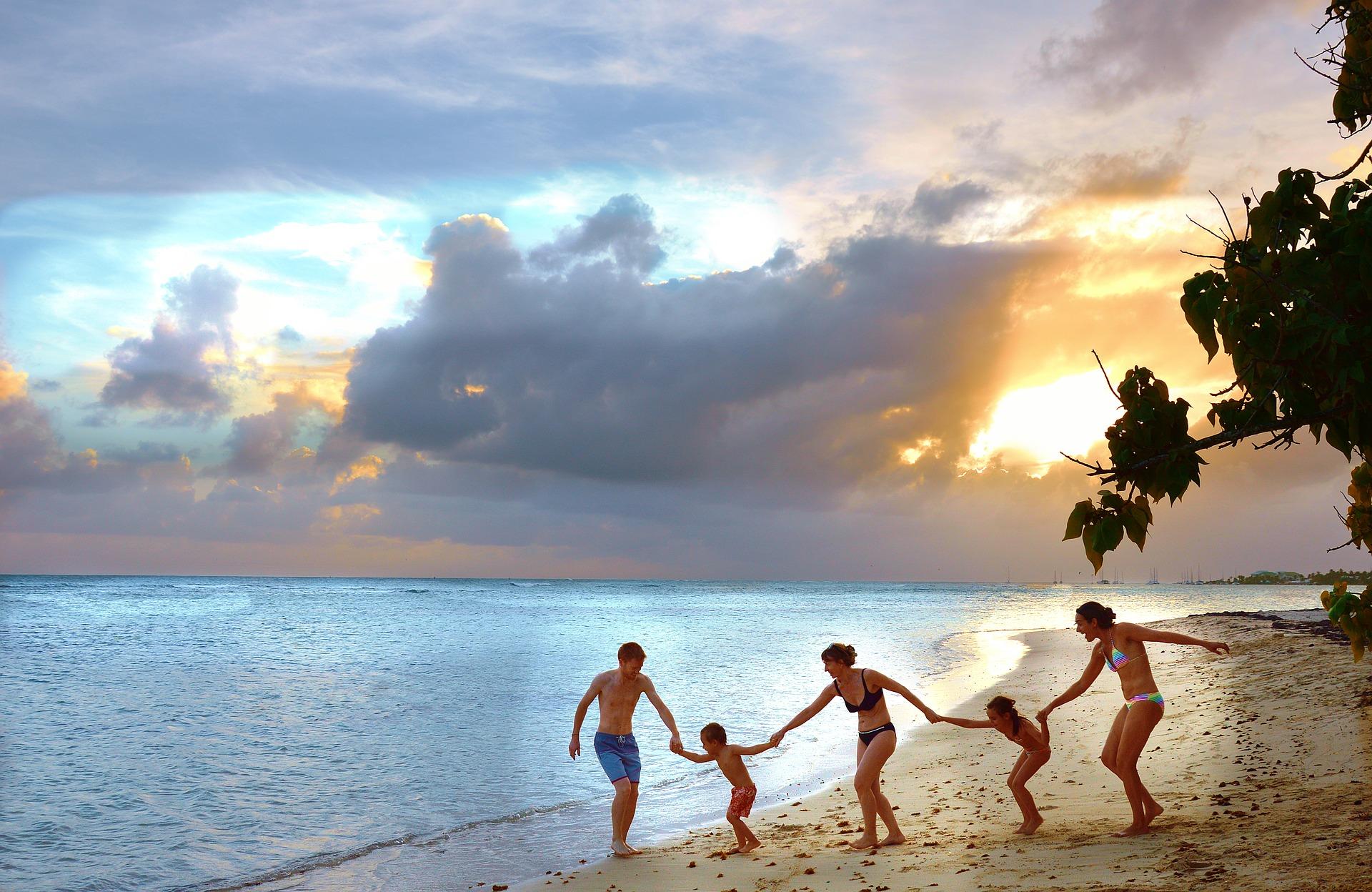 Cuba en familia durmiendo en casas particulares y final con playa en los Cayos