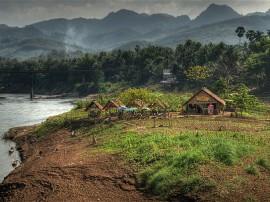 Circuitos por Laos