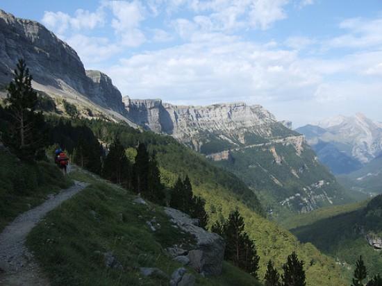 Senderismo en el Pirineo Aragonés para singles con niños